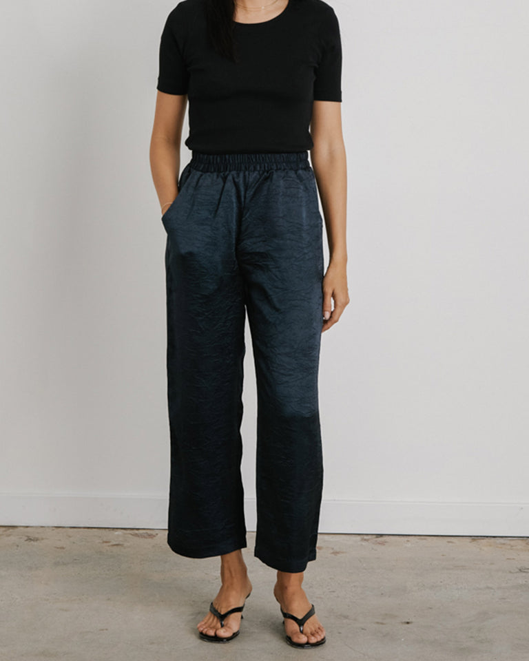 Vista Pant in Midnight