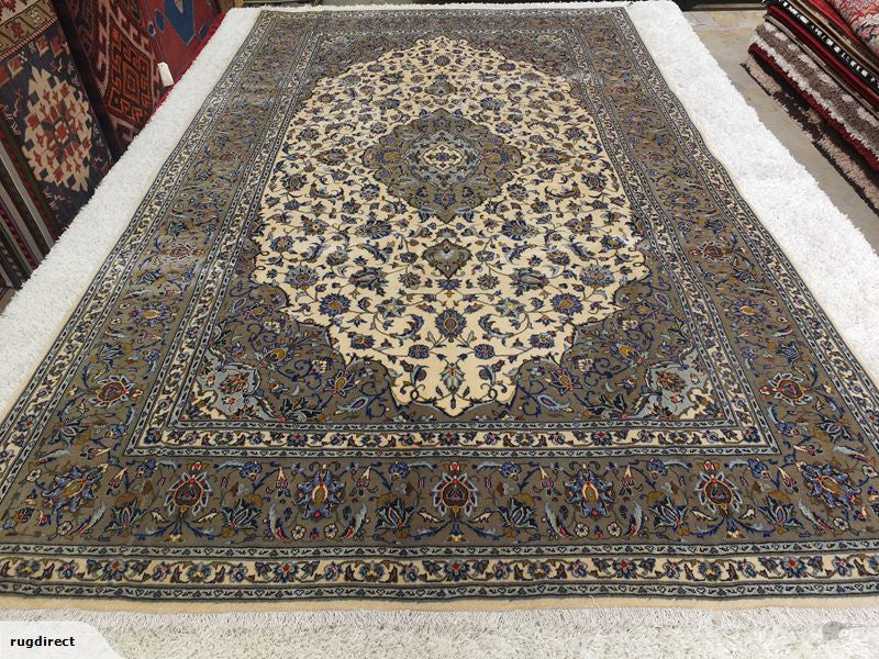 Persian Hand Knotted Kashan Rug Size: 305 x 197cm