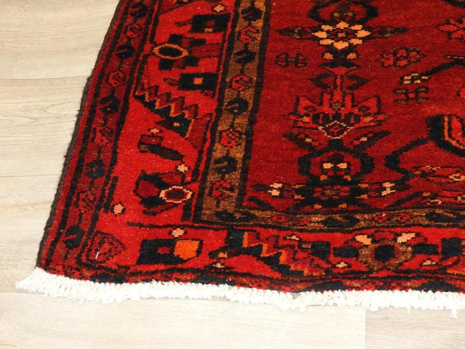 Persian Hand Knotted Hamedan Rug Size: 130 x 190cm