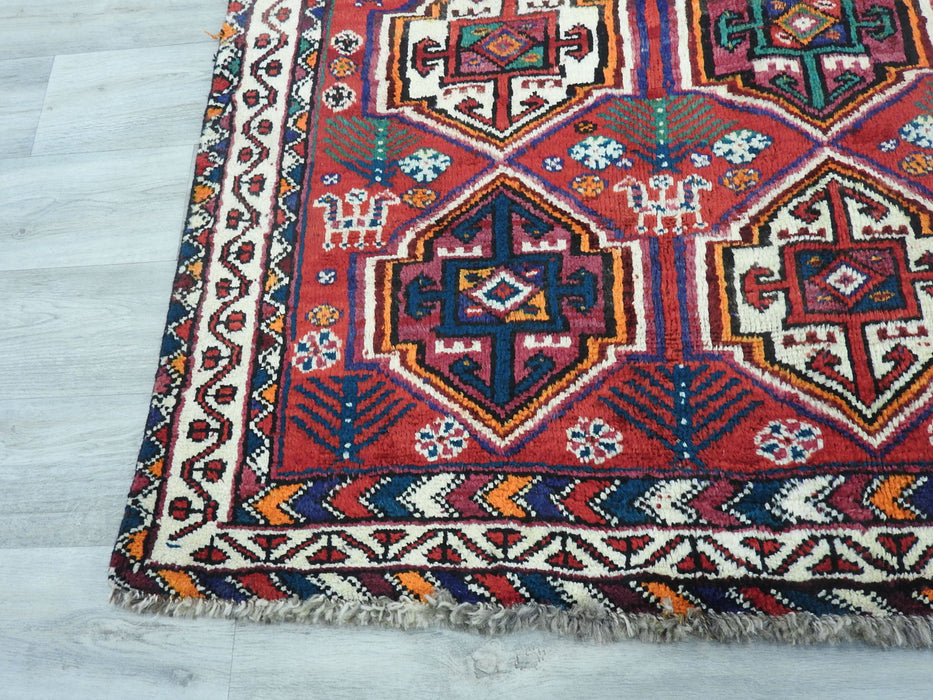 Persian Hand Knotted Shiraz Rug Size: 210 x 148cm