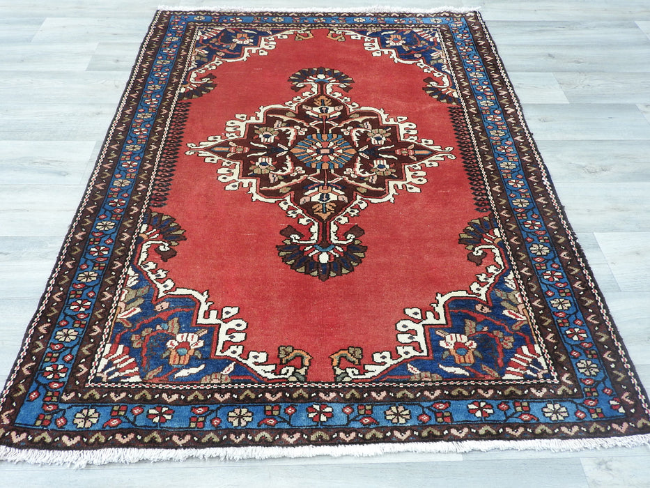 Persian Hand Knotted Tafresh Rug Size 155 x 105cm