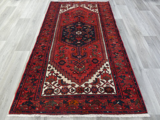 Persian Hand Knotted Hamedan Rug Size: 207 x 127cm