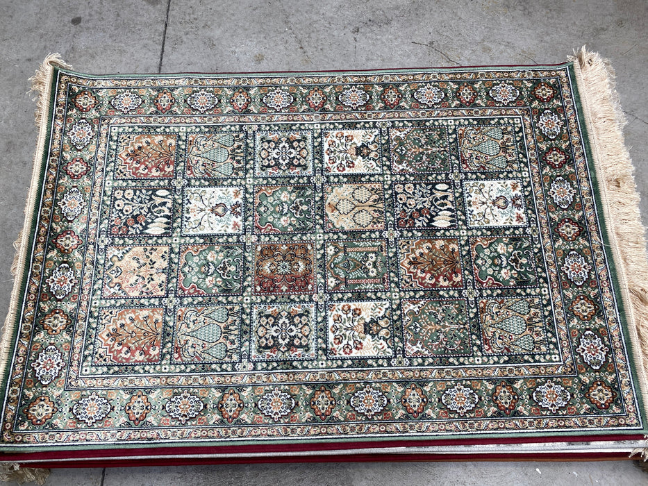 Traditional Royal Palace Garden Design Rug