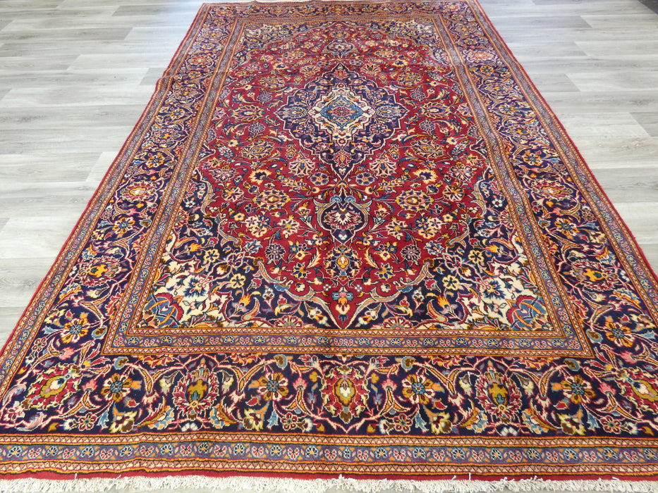 Persian Hand Knotted Kashan Rug Size: 310 x 200cm