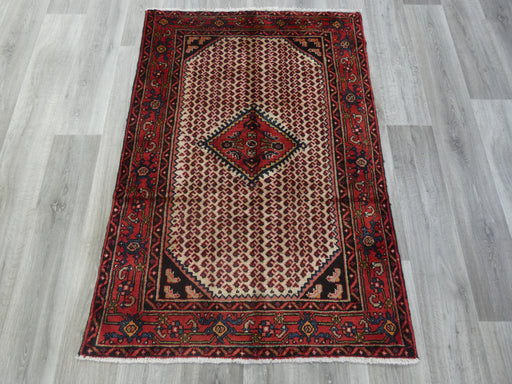 Persian Hand Knotted Hamedan Rug Size: 108 x 155cm