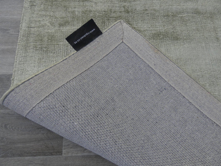 Pesto Colour Hand Loomed Bamboo Silk Look Rug-Bamboo Silk-Rugs Direct