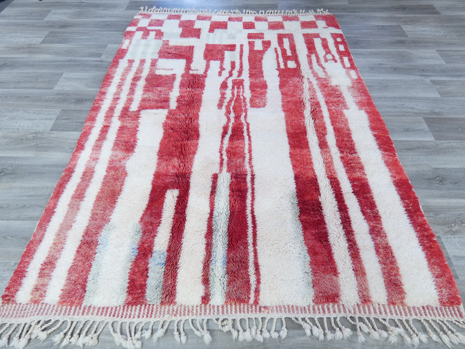 Mrirt Berber, White and Red Colour Woollen Beautiful Moroccan Rug Size: 251 x 185cm