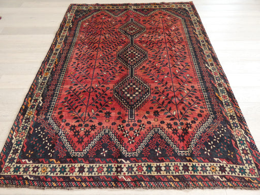 Persian Hand Knotted Shiraz Rug Size: 205 x 266cm