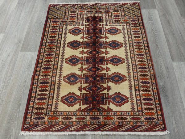 Persian Hand Knotted Prayer Rug Size: 117 x 90cm