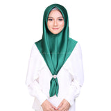 MUMU BAWAL SATIN IN EMERALD GREEN