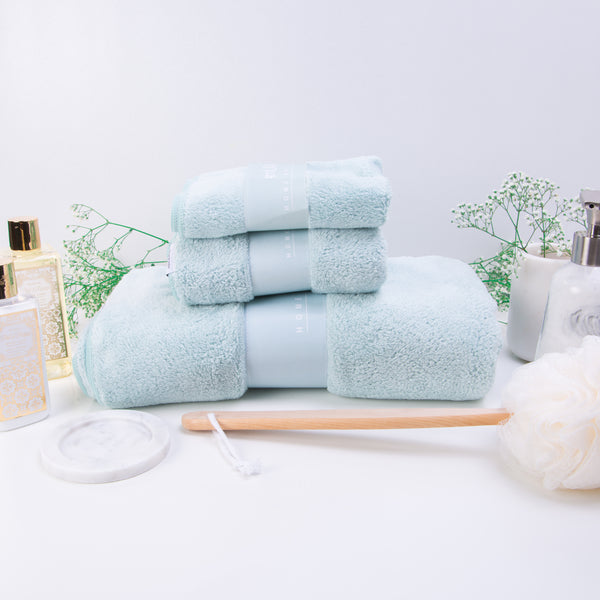 MUMU FLUFFY TOWEL IN TIFFANY GREEN