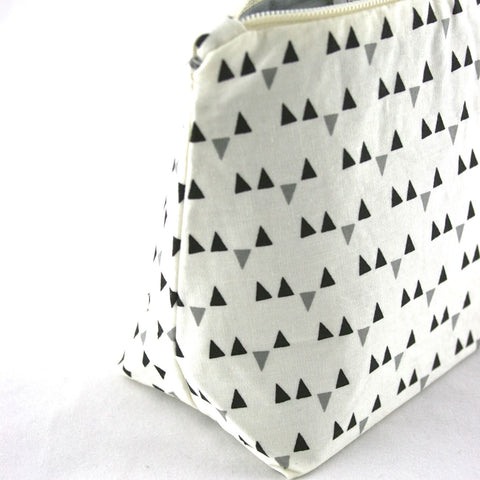 Gray Triangle Bunting Graphic Makeup Bag
