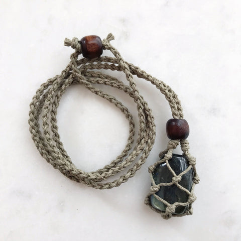 Macramè Gemstone Holder Necklace