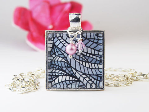 Black and White Facets Square Pendant Necklace