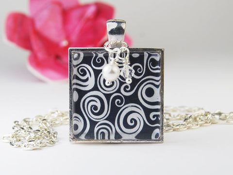 Black and White Curls Square Pendant Necklace