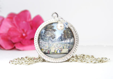 Victorian Palace Round Pendant Necklace