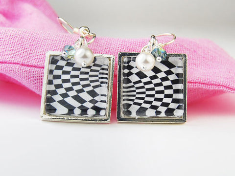 Black and White Time Tunnel Square Earrings