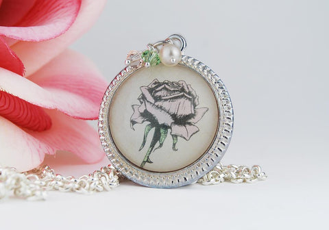 Vintage Rose Round Pendant Necklace