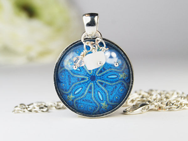 Seawave Round Pendant Necklace