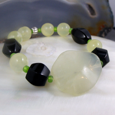 Jade bracelet UK, semi-precious gemstone bead bracelet, Jade jewellery, stretch bracelet, gemstone jewellery