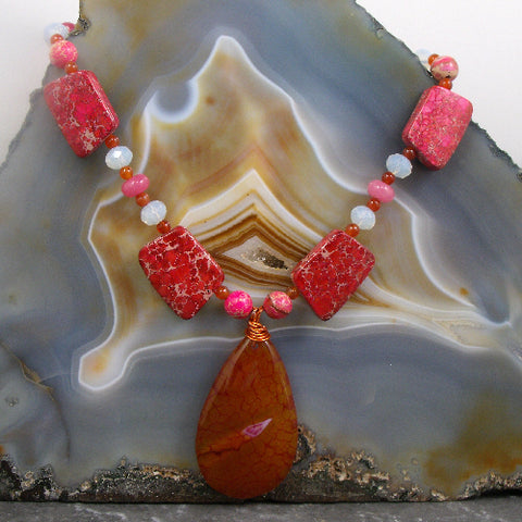 Beaded semi-precious jewellery, Agate semi-precious gemstone necklace pendant, Agate pendant necklace UK