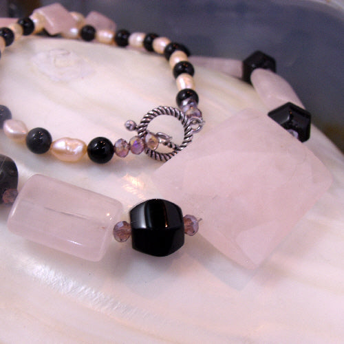 pink rose quartz necklace uk, gemstone rose quartz  jewellery
