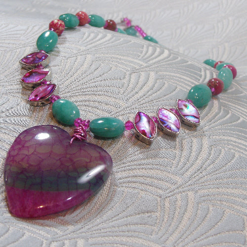 agate gemstone pendant necklace, handcrafted jewellery, semi-precious stone necklace