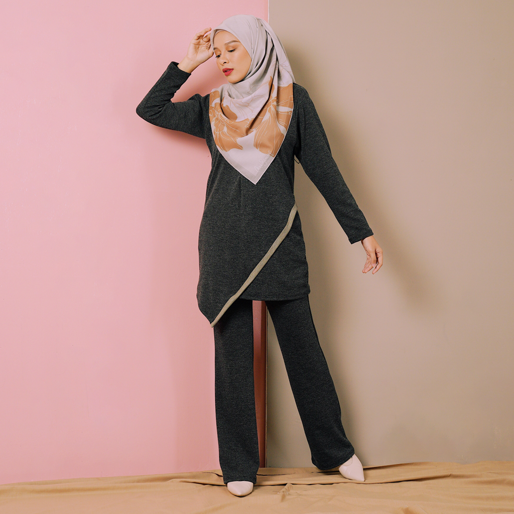 Arya Suit (Black)