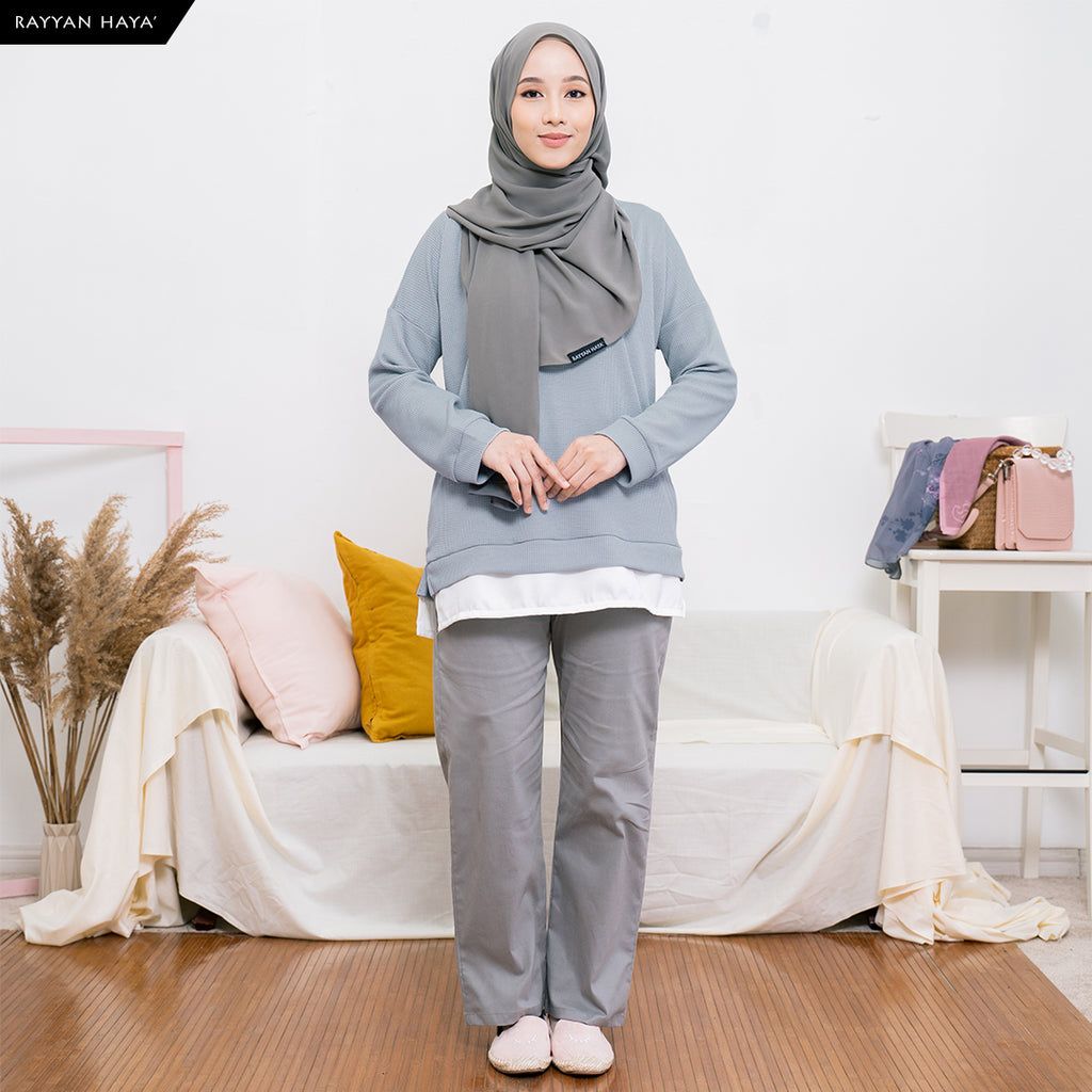 (DEFECT) Clara Sweatshirt (Dusty Blue)