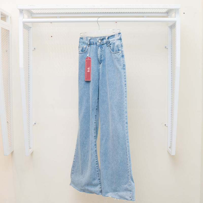 Isla Jeans (Light Blue)