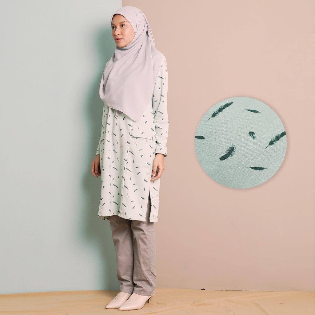 Zhalea Long Top (Mint Feather)