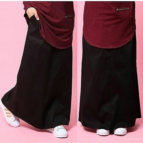 Skirt With Waistband (Black)