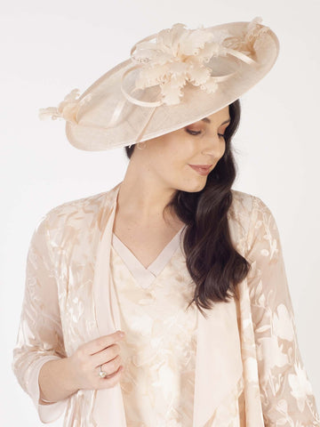 Vanilla Large Hatinator With Frill Flower Trim
