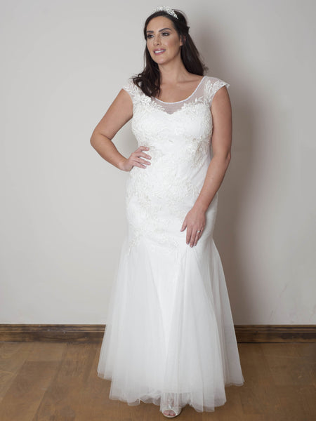 Ivory Lace Lined Bead Wedding Dress
