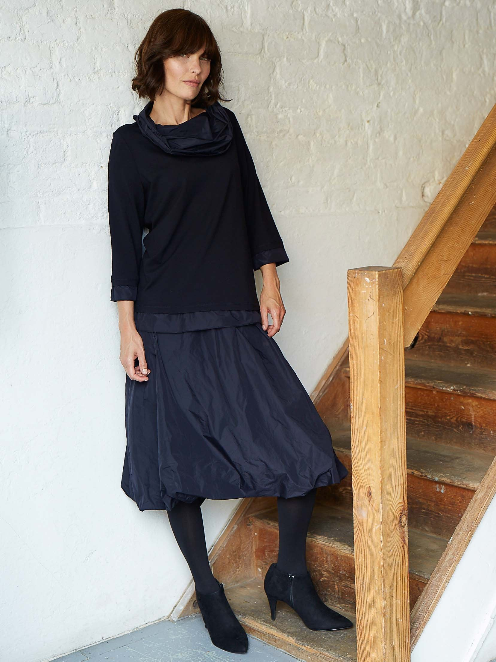 Vetono Midnight Taffeta Skirt