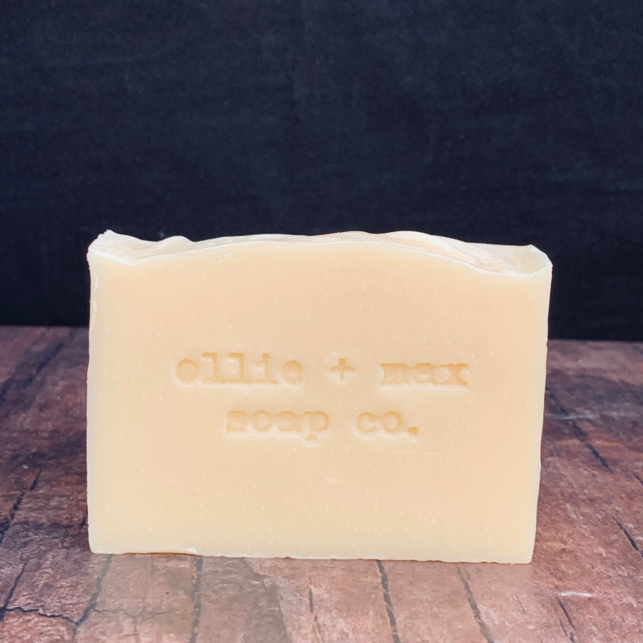 lemongrass pink grapefruit soap bar. vegan and natural.