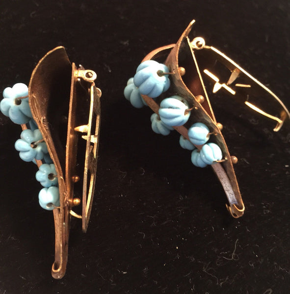 Great Pair 1940's Vintage Dress Clips Turquoise color beads