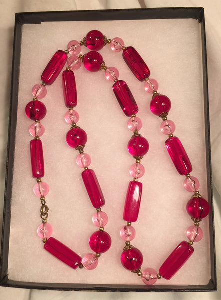"Vtg 1960's RED & PINK LUCITE Beads 26"" long"