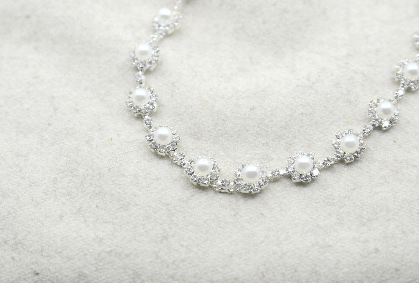 "3/8 "" Crystal Flower Rhinestone Pearl Chain Trim, Beaded Trim ,Wedding belt, Bridal Sash, Rhinestone applique-1 Yard - strapcrafts"