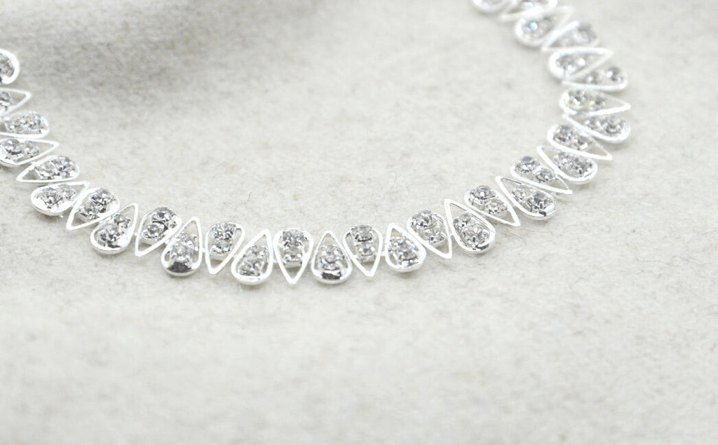 "3/8"" 10mm Wide Rhinestone Chain Trim, Silver Chain , Wedding belt, Bridal Sash, Rhinestone necklace,Crystal Bracelet,Headband-1 Yard"