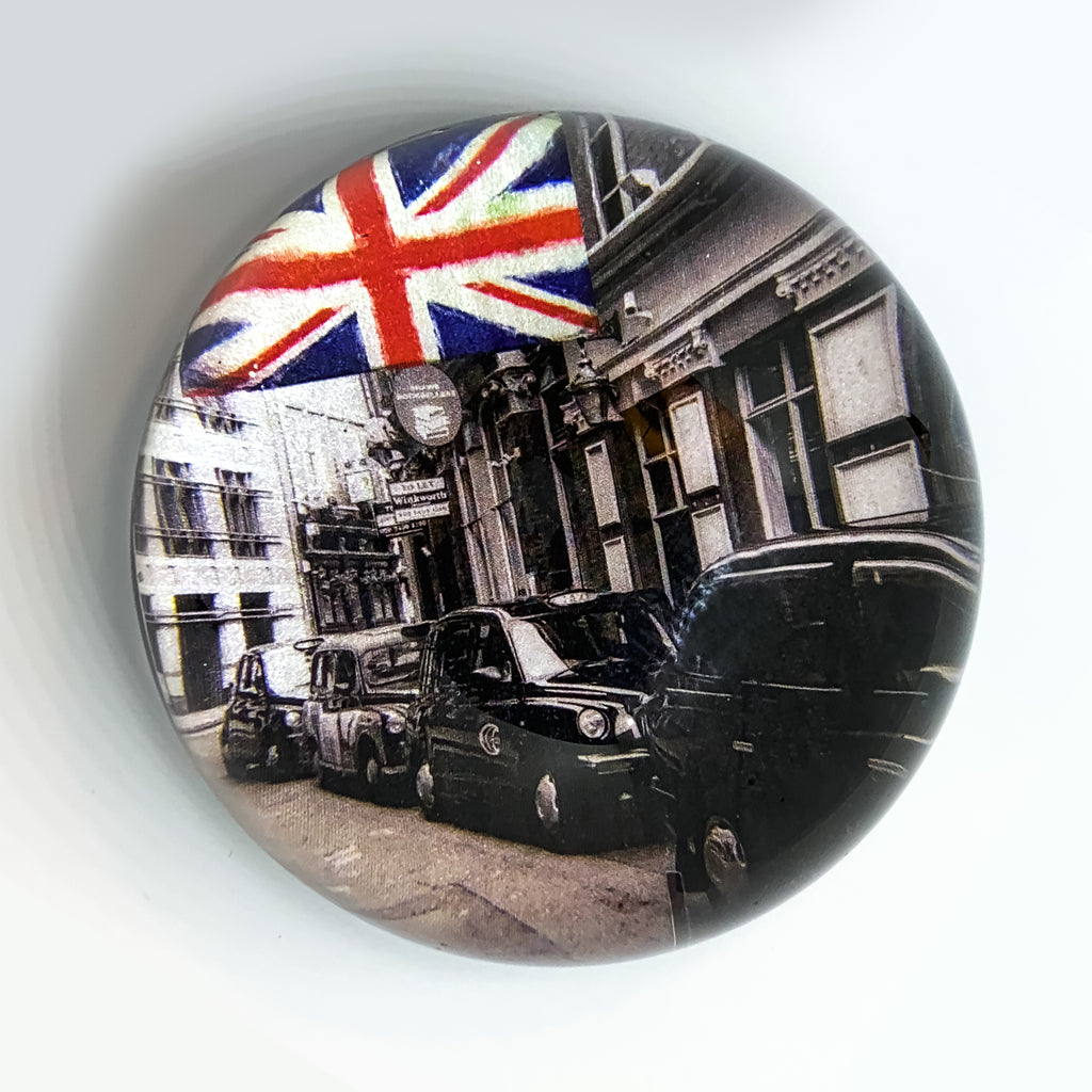 Paperweight: London Cabs