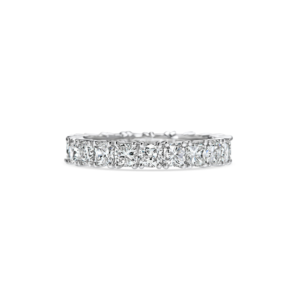 CUSHION eternity band