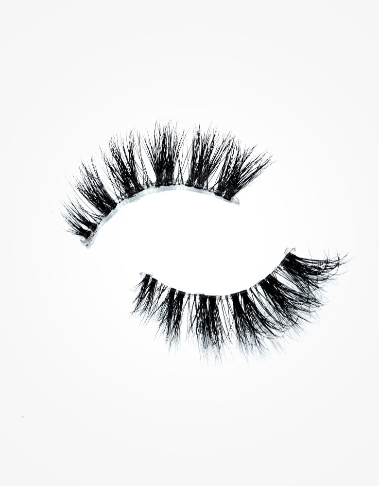 Dove Cameron Lashes - Bisous Bisous