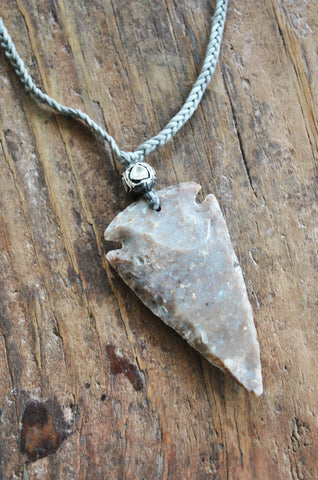 Braided Agate Arrowhead Necklace-Grey