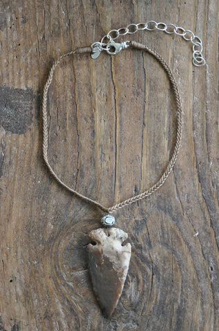 Braided Agate Arrowhead Necklace-Taupe