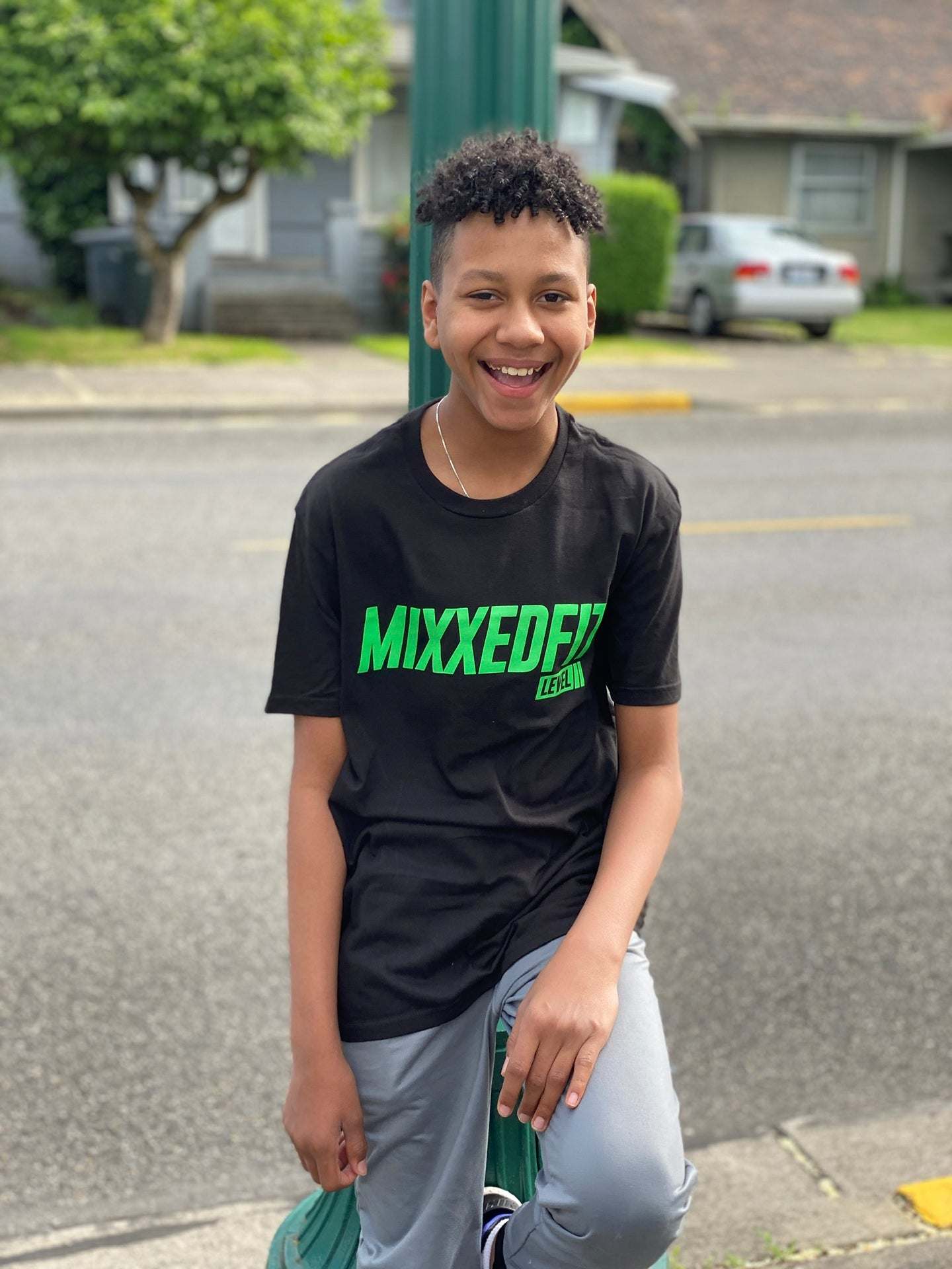 MIXXEDFIT® LEVEL 2 CLASSIC TEE | BLACK W/GREEN