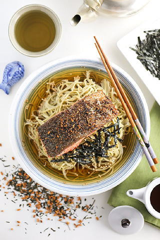 Genmaicha Crusted Salmon with Green Tea Soba