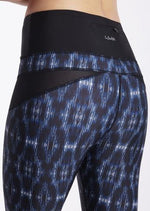 Shaping Printed Crop Tight - Blue Print - Be Activewear