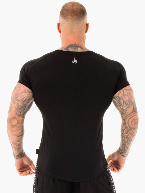 CORE T-SHIRT - BLACK