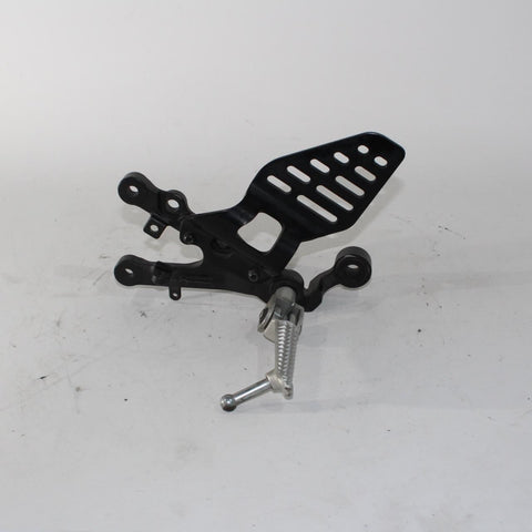 11-16 Yamaha Yzf R6 Right Rearset Rear Set Driver Foot Peg Rest Stop